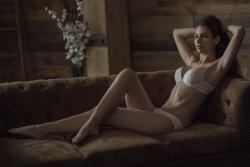 Giulio-Cifuni-Lingerie-Model-Lara-von-Kaenel-Shooting-7