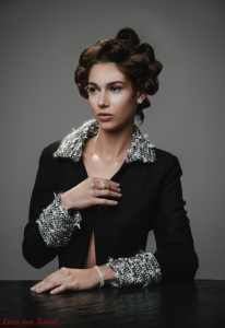 Fashion-Shpend-F.-Salihu-Lara-von-Kaenel
